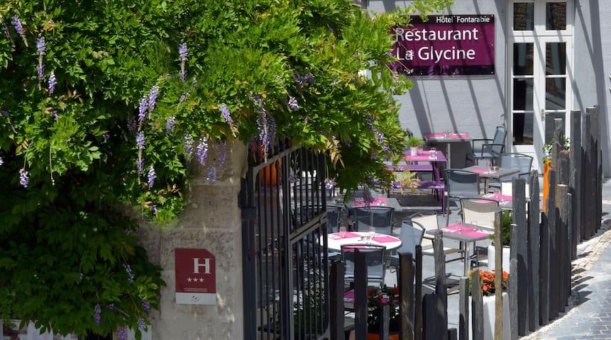 Logis le Fontarabie*** - Restaurant La Glycine