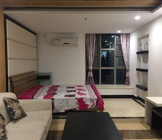 干净安静舒适,让你每个小住感受家的温暖。期待与您的相遇! - Guangzhou - Apartmen