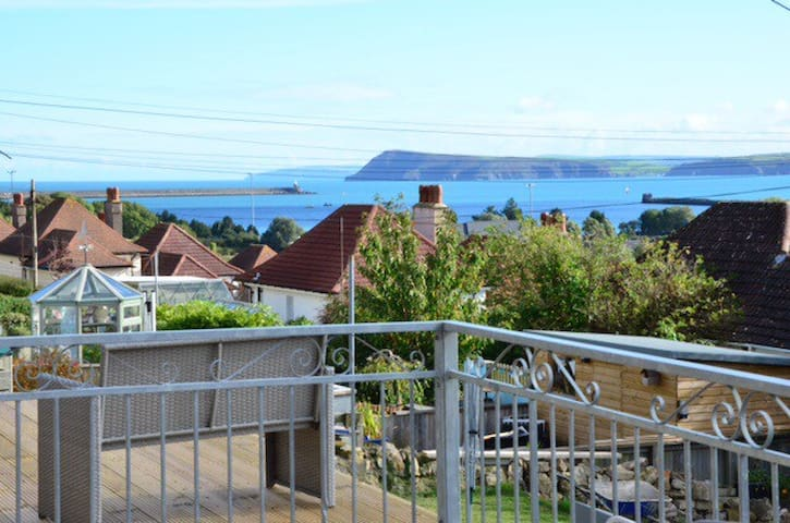 Semi detached family house - Goodwick - Casa