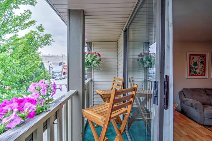 Lovely Apartment w/Balcony in Downtown Grand Haven
