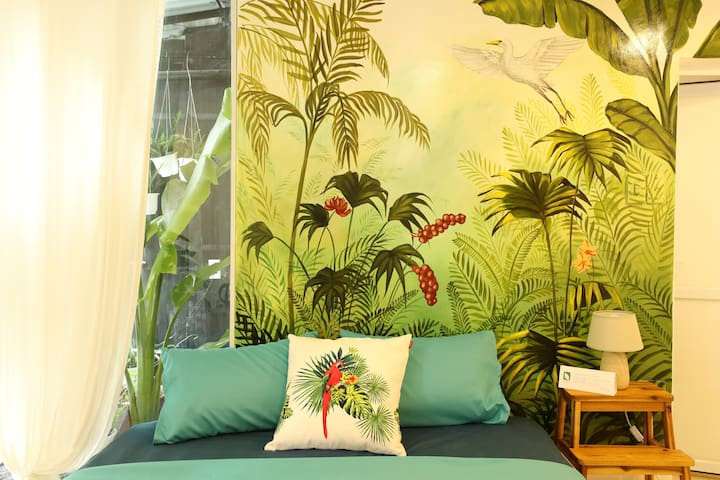 Tropical living in My Youth Hostel - Private VIP