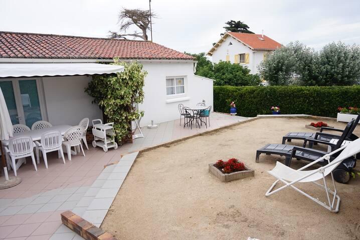 Villa T3 à 150m de la plage (Roseaux 1)