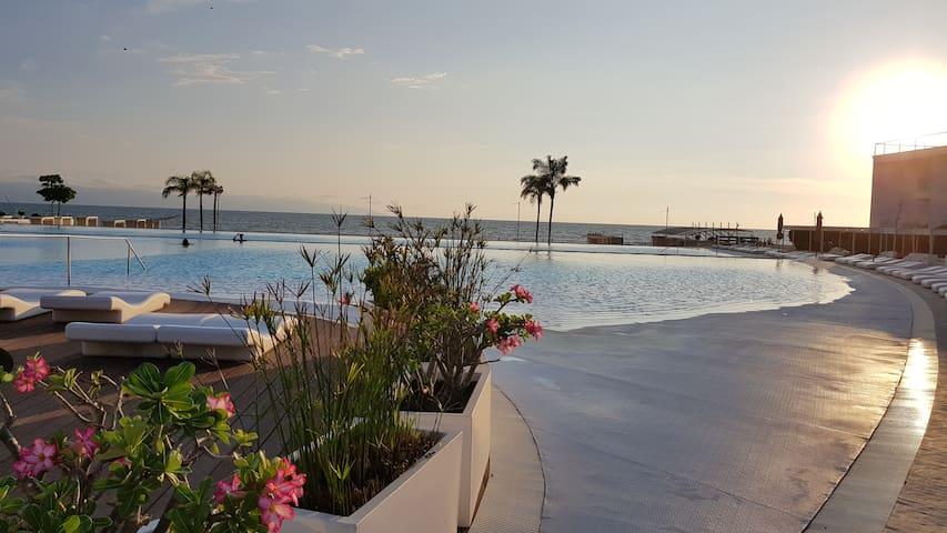 Aria Ocean (AQUA)-Loft-BEACH FRONT PARADISE :) :)