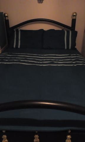 PRIVATE DOUBLE ROOM NEAR UWE & MOD