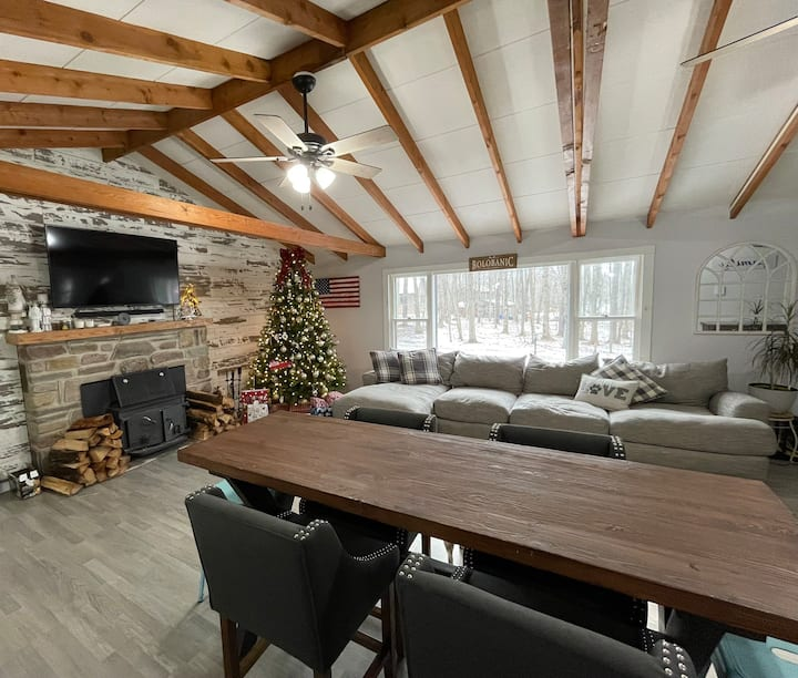 Sweet & Cozy Getaway in Arrowhead Lake Community
