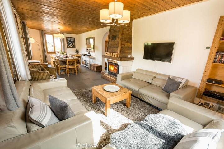 Chalet Moccand, Samoens, spa, garden, and Wi-Fi