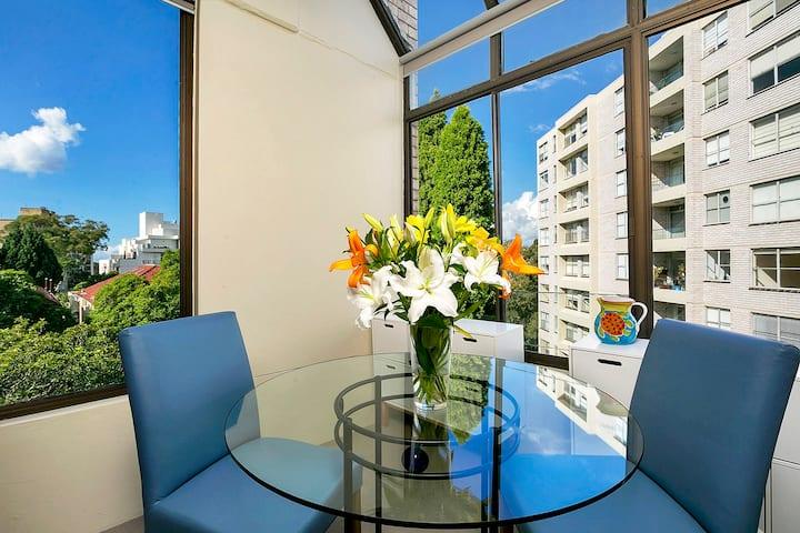 HAMP1 - Bright Apartment in Cremorne