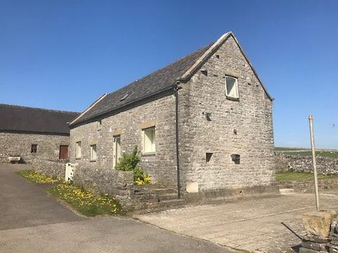 Gag Barn Nr Thorpe (Peak District/Dovedale)