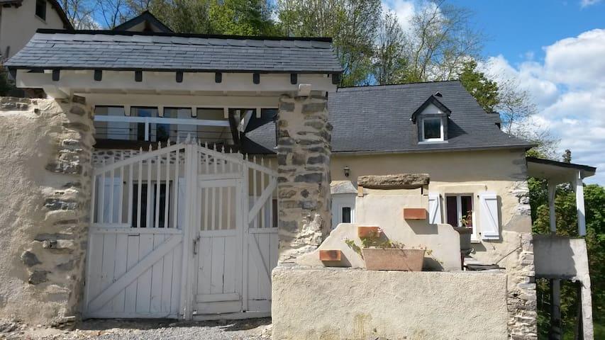 Charmante maison béarnaise rénovée - Herrère - Rumah
