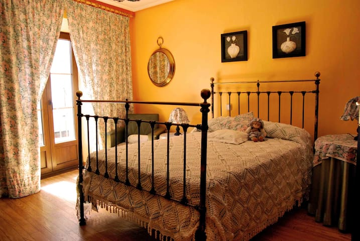 Bonita habitación doble en Simancas - Simancas - Haus