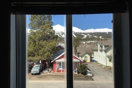 Old town Breckenridge w great views - Apartamento