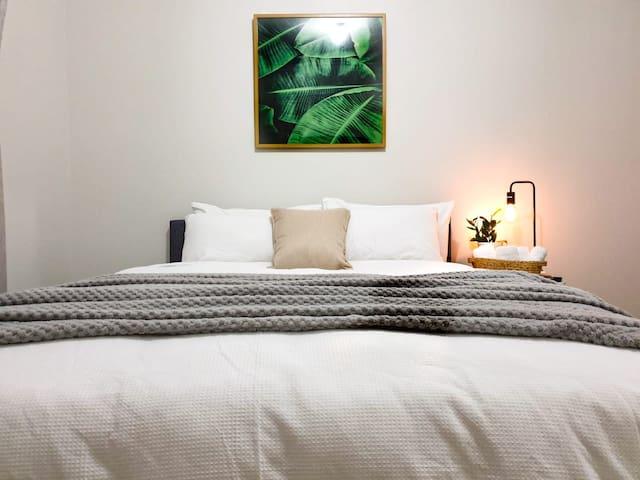 Quiet Country Home - Luxury Room