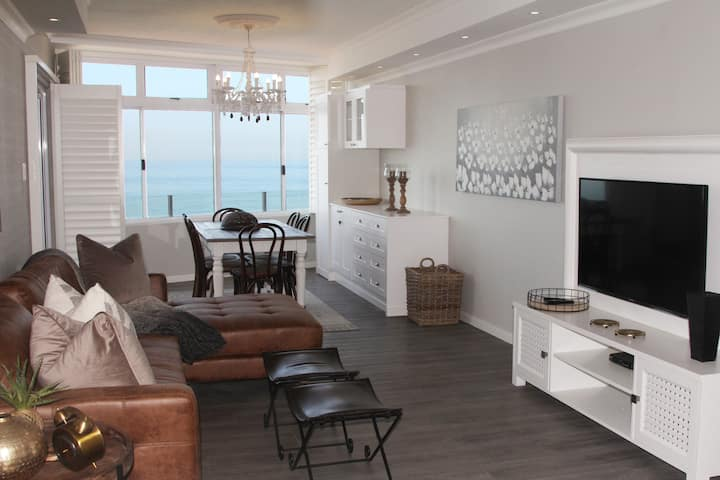 OCEAN VIEW, 3 bedrooms, Main Beach, Umhlanga Rocks