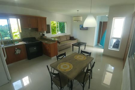 Mountain View, Brand New 1 Bedroom Apartment