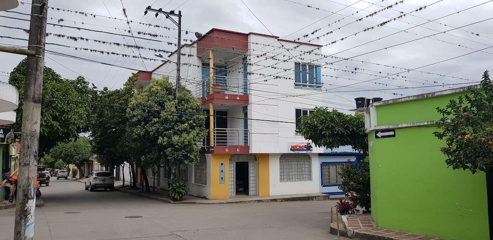 Ambiente familiar en el centro de la ciudad