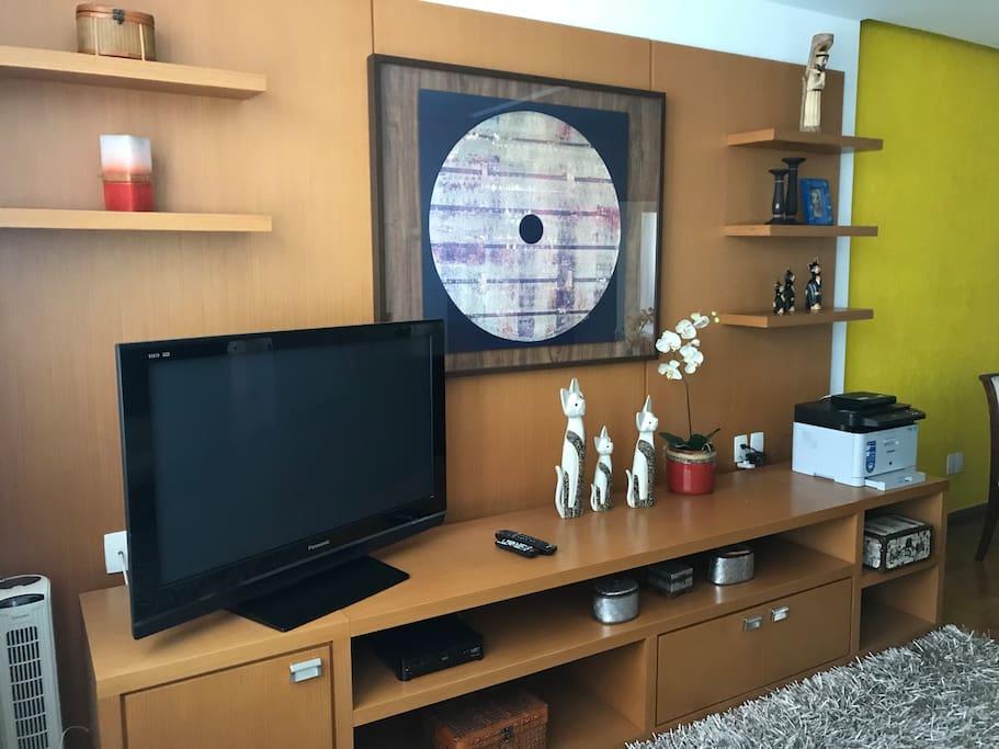 Sala de TV a cabo ...