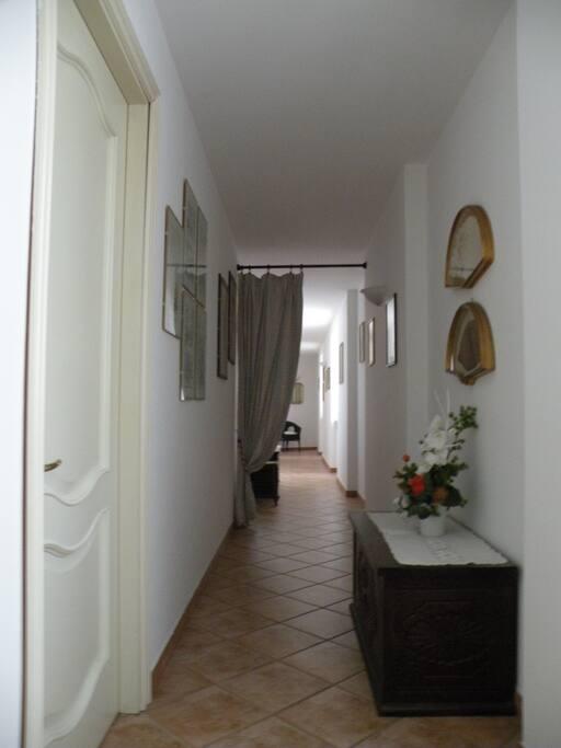 Accesso alle camere Hallway 1st floor Accès aux chambres (1er étage)