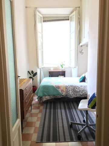 Sunny Room with Double Bed