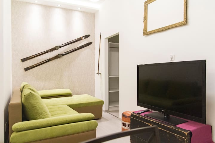 NEW!!Cozy Stylish Apartment Central Bdpst Metro 1m