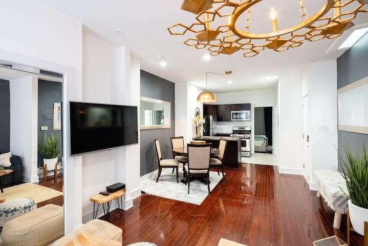 Amazing Apt Sleeps Up To 8 Guests  15 Min From NYC