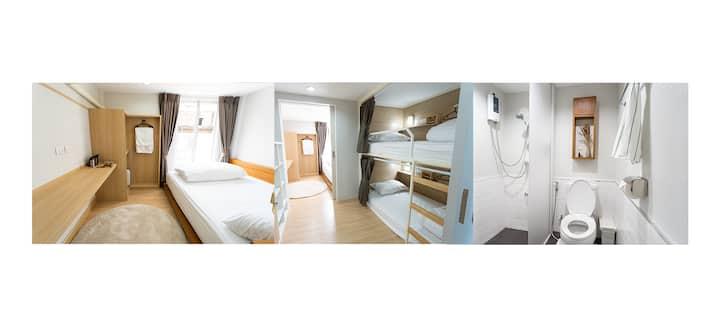 整个屋子/距离Samyan MRT只有10分钟路程/3~4人房(含浴室)