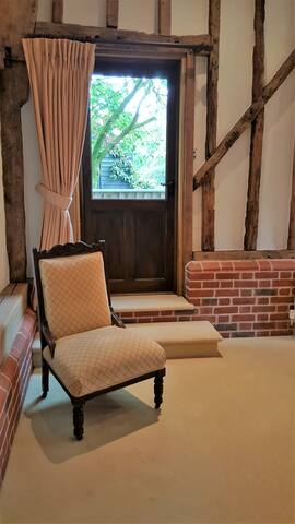 The barn has a wealth of period features including oak stud walls, exposed oak beams and beautiful high vaulted ceilings. During 2018 we have been upgrading the furnishings whilst in-keeping with The Stables original period features