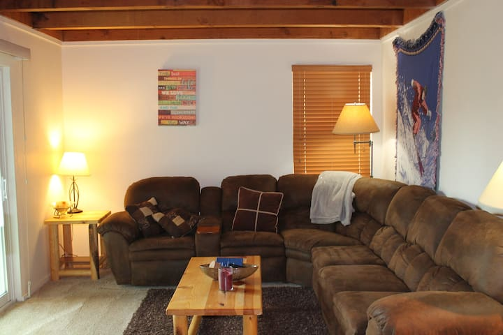 Cozy 1B mountain side apartment - Silverthorne - Flat