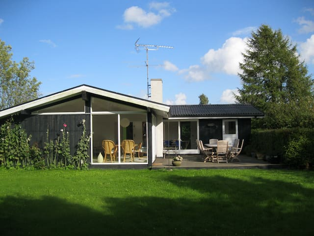 Large beach cottage, 4 bedrooms, 112 m2, Gilleleje - Gilleleje - Maison
