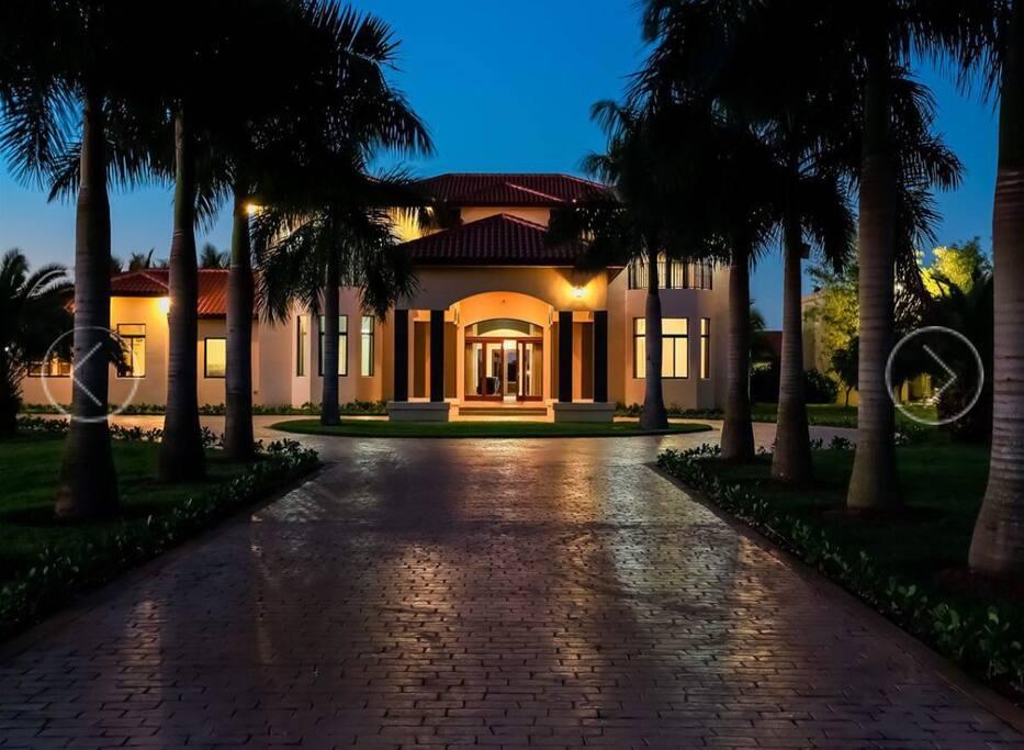 Casa moderna ideal para familias casas en alquiler en for Casa moderna miami website