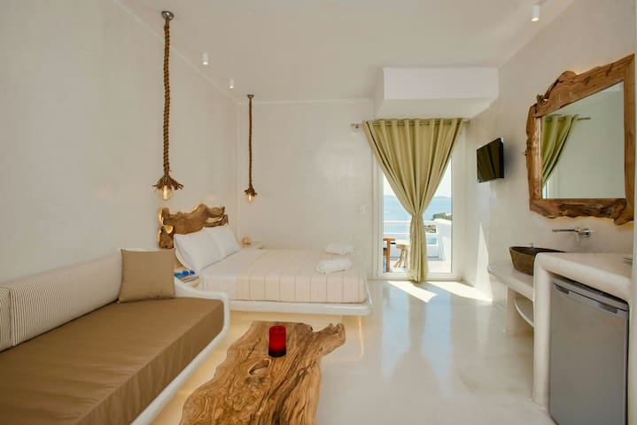 Deluxe suite in agios Stefano 1 k from the newport - Mikonos - Flat