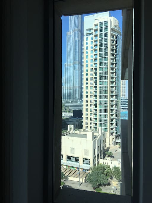 Burj/Fountain View from Lounge