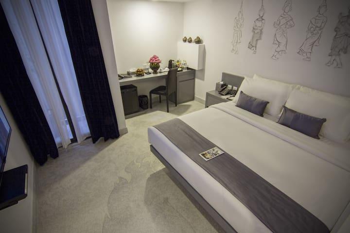 Spacious and Elegant room in Phnom Penh