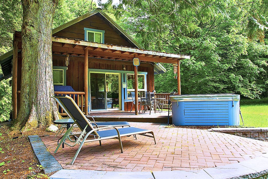 Welcome to Mysty Mountain Cabin, your next North Cascades destination!