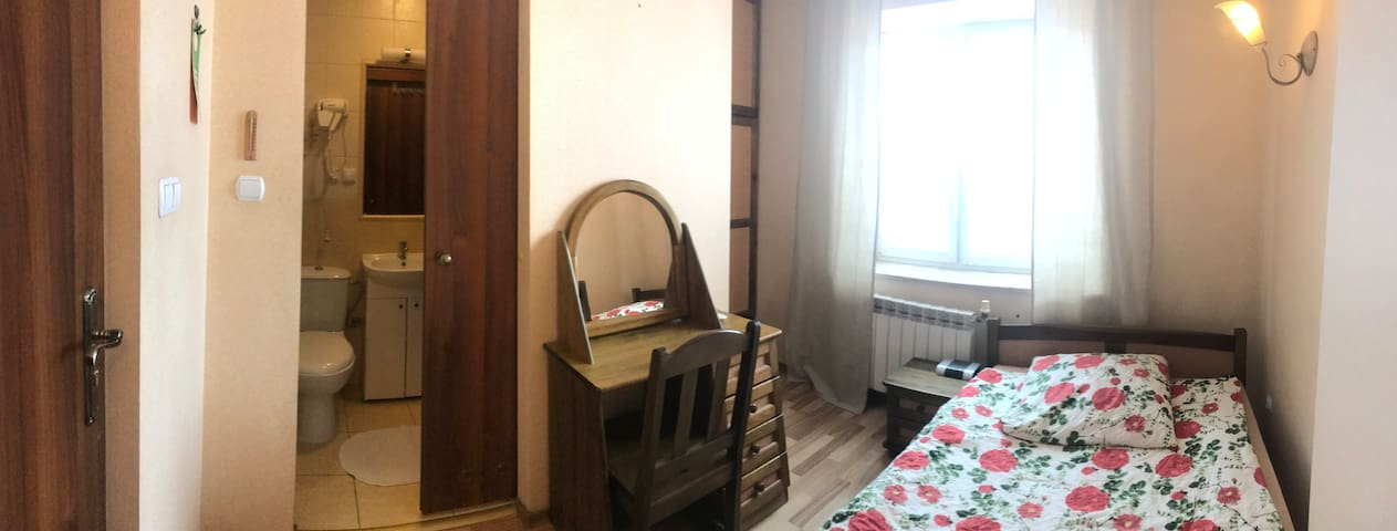 Pokój 1-2 os z łóżkiem 120cm i łazienką