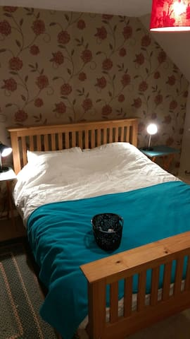 spacious king size room kirkwall