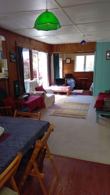 dining, lounge,sunroom deck