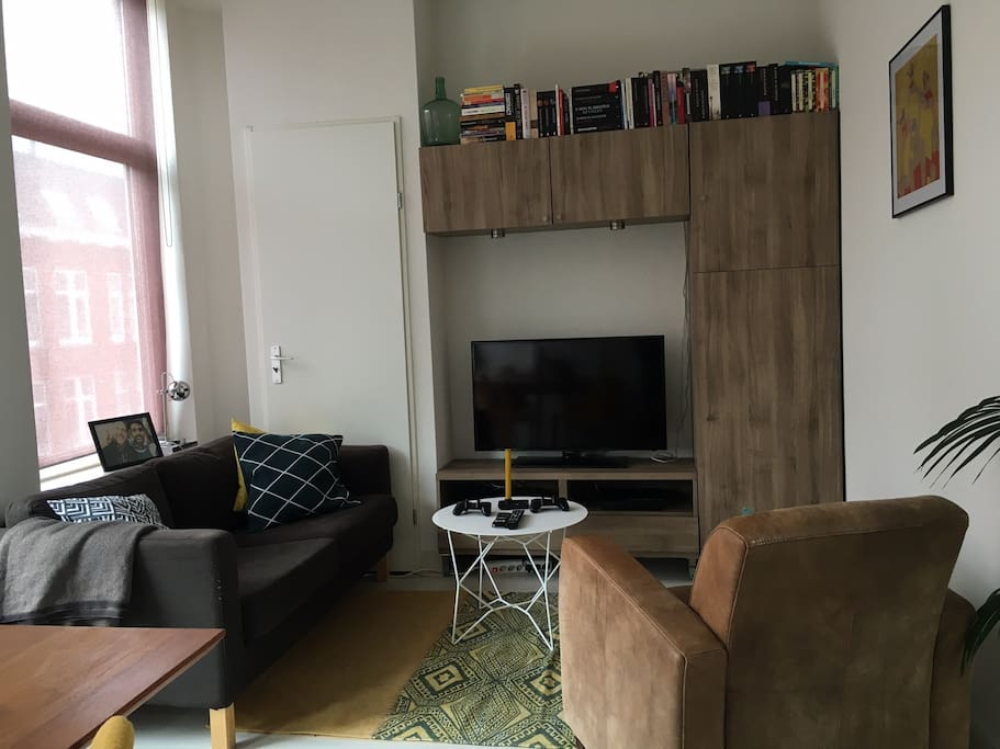 Livingroom: Fresh, modern and cosy (downstairs)