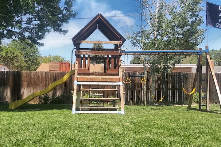 Relax at Colorado House: You're on Mountain Time!