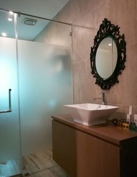 bathroom(卧室浴室)