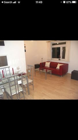 Beautiful 1 Bed flat + Sofa Bed 20mins to Central