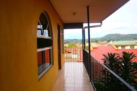 Excelente ubicación para conocer Costa Rica - San Ramón