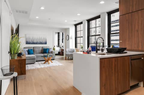 ★Stunning 1BR apt Downtown -Walk to Prudential★