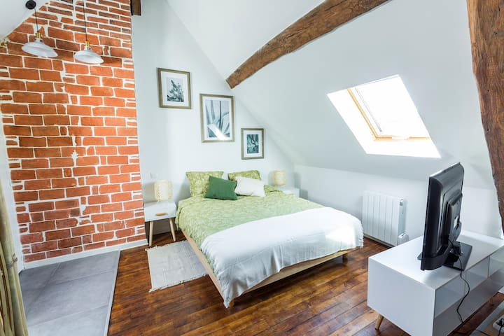 Au Studio ( City Center – WIFI - Cosy)