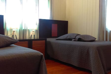 Double King Single Room - Herston