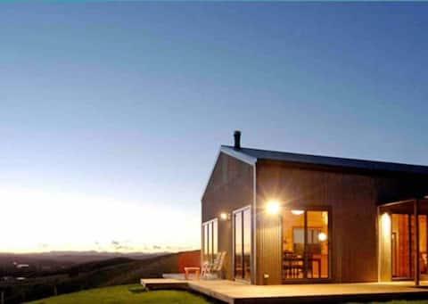 Aquila Barn- Secluded Luxury, Spectacular Setting