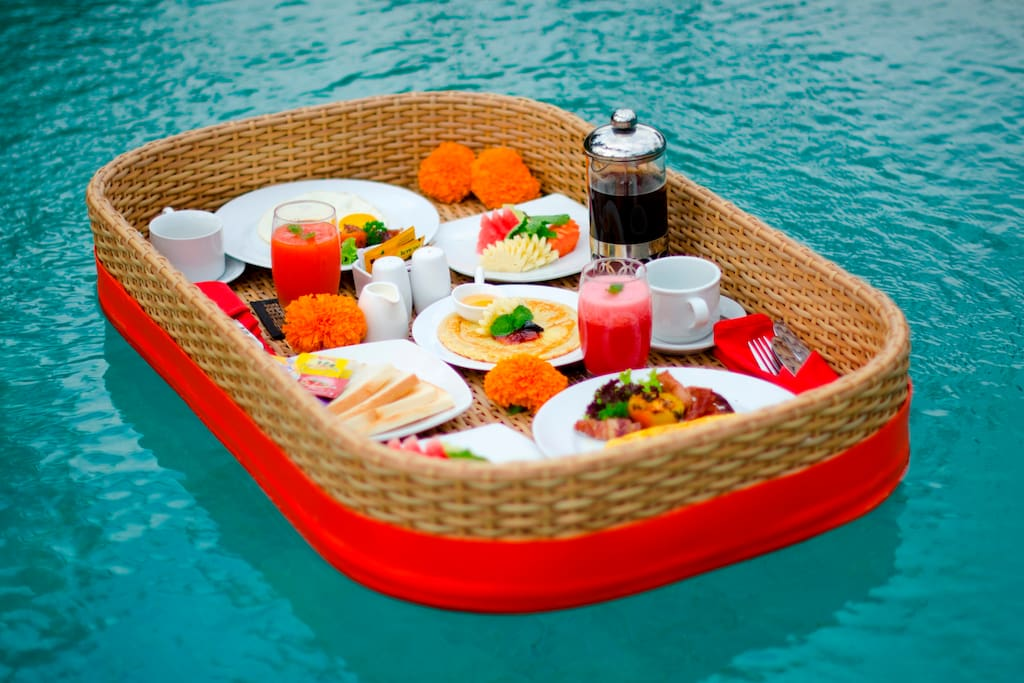 Floating breakfast and Lunch can be arranged with additional IDR 100.000 service fee/tray