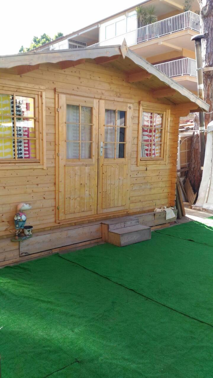Casa madera independiente baño privado y aire acon