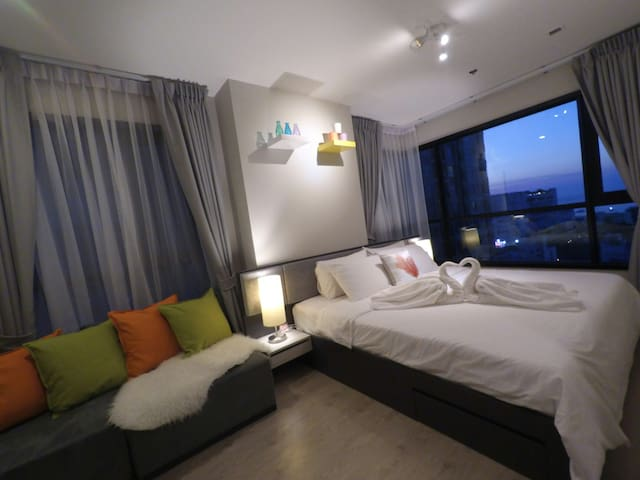 NEW!DOWNTOWN SEA VIEW 2BRM 2BATHS FUN&CHIC CONDO - Muang Pattaya - Appartement en résidence