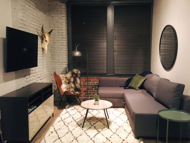 Stylish Loft in CENTER of Downtown Nashville! 208
