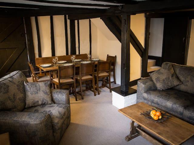Grade II Listed Cottage in Rye Citadel, Sleeps 6-8